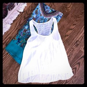 Awesome White lacey tank!